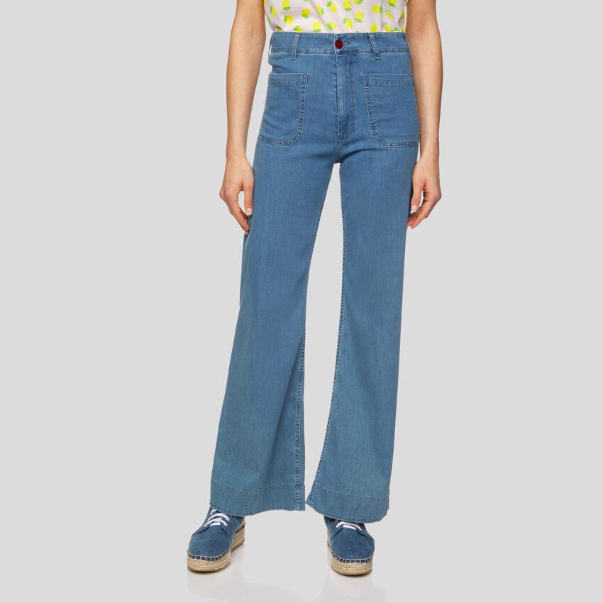 High-waisted pants