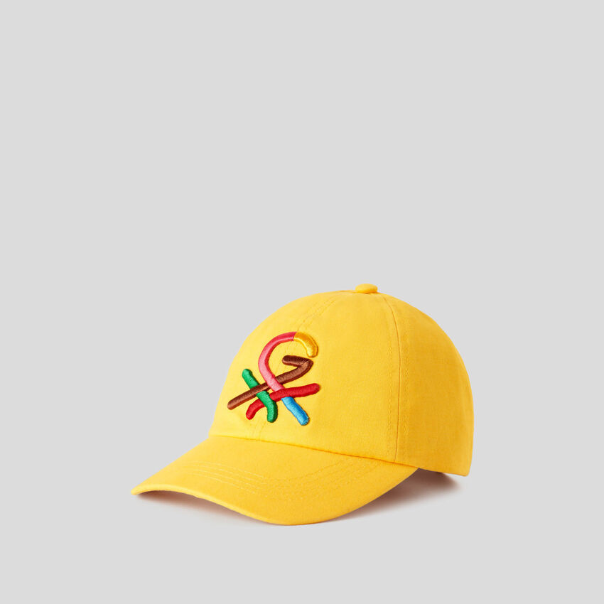 Yellow hat with embroidered logo by Ghali