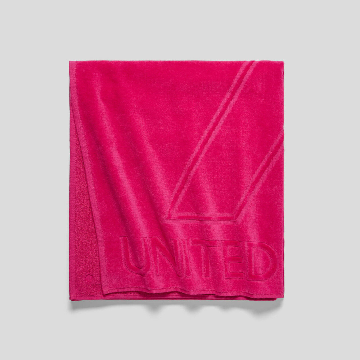 Jacquard logo beach towel