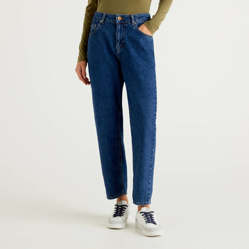 Mom fit high-waisted jeans