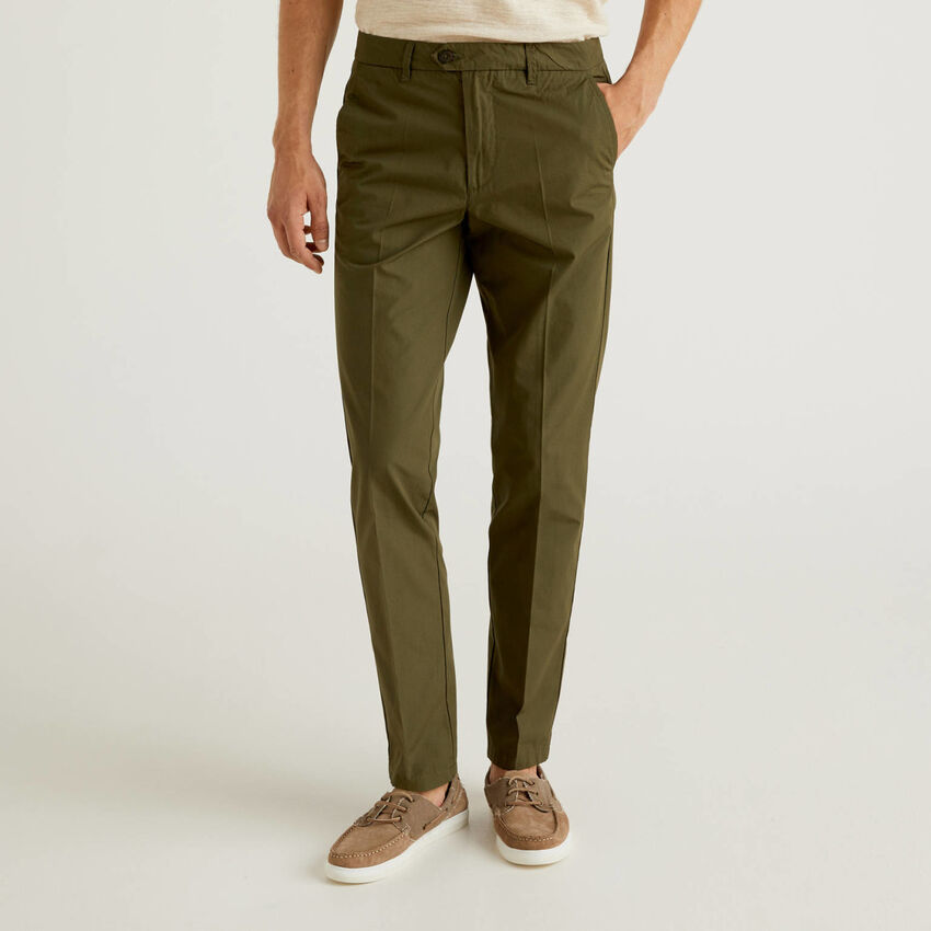 Slim fit chinos in light cotton