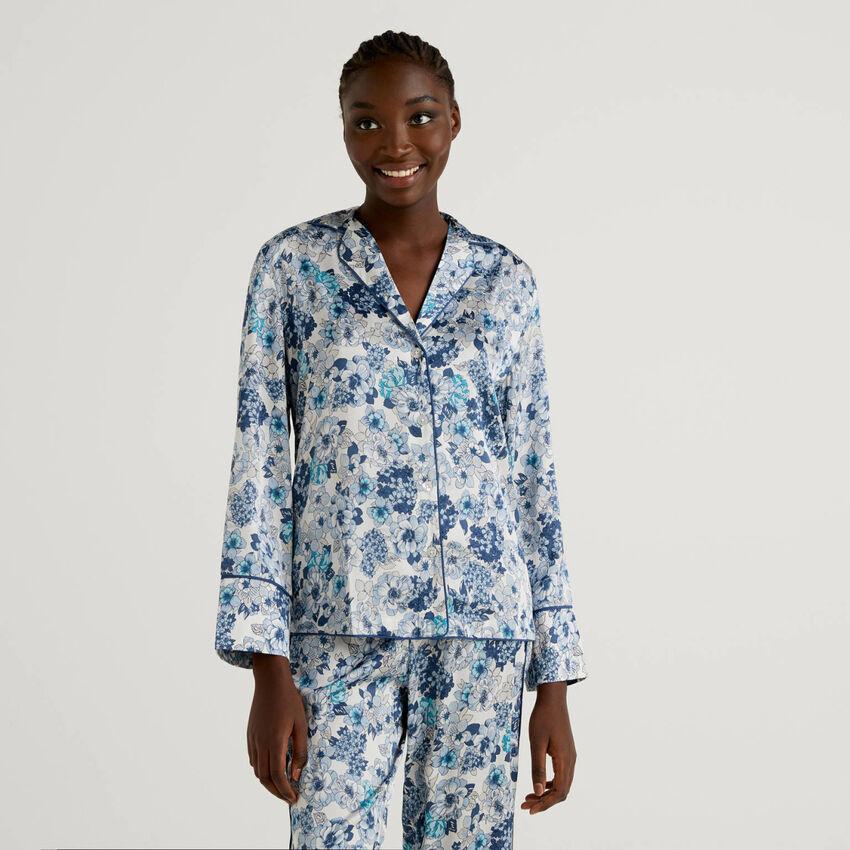 Pyjama blouse with floral print