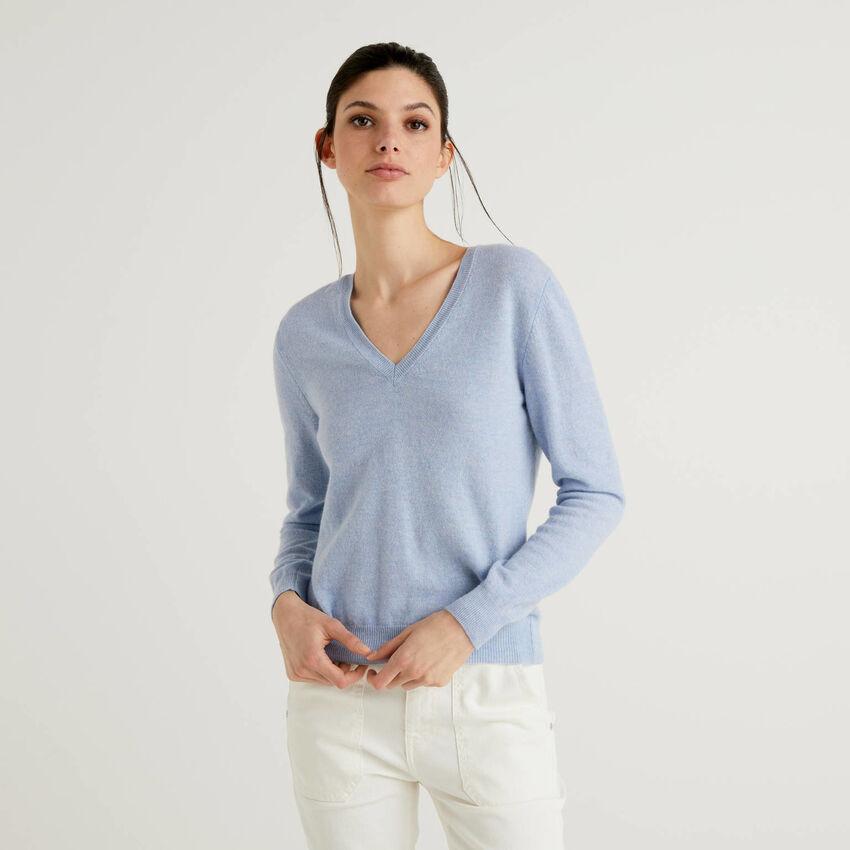 Sky blue V-neck sweater in pure virgin wool