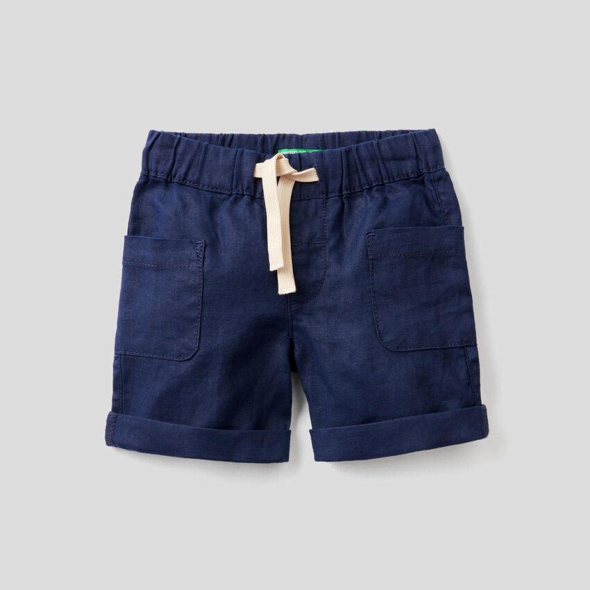 Shorts with drawstring