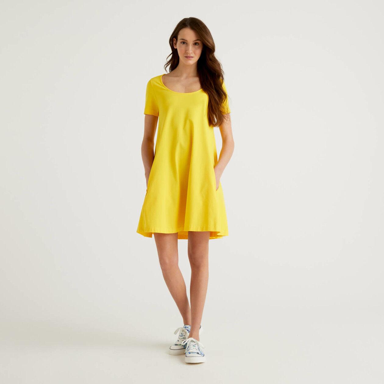 Short dress in jersey