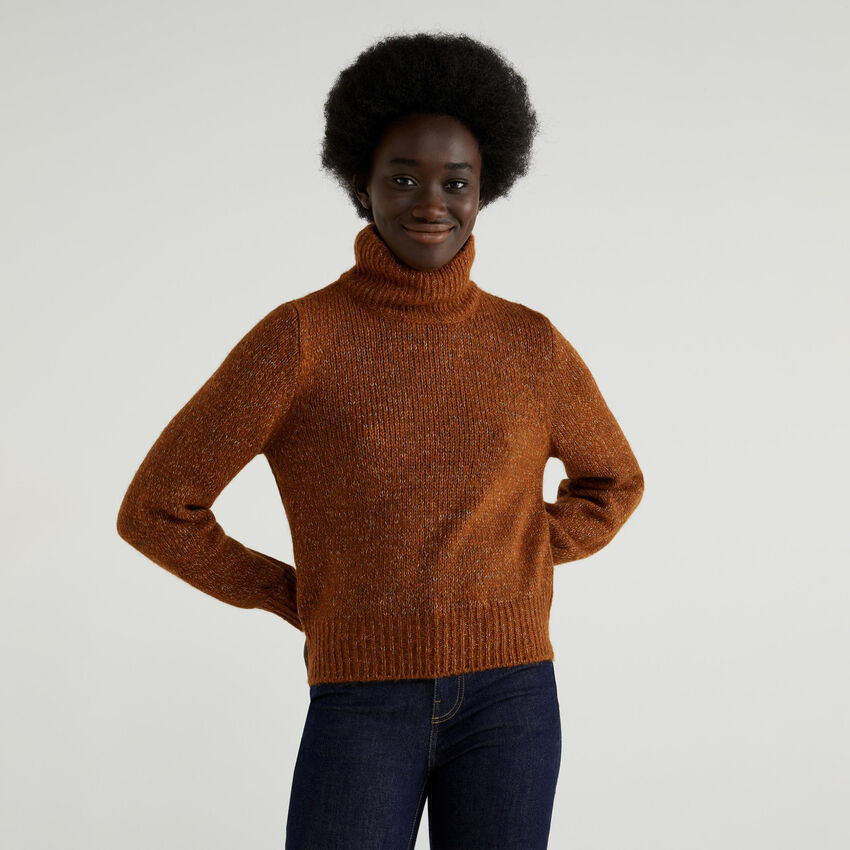 Turtleneck with puff sleeves