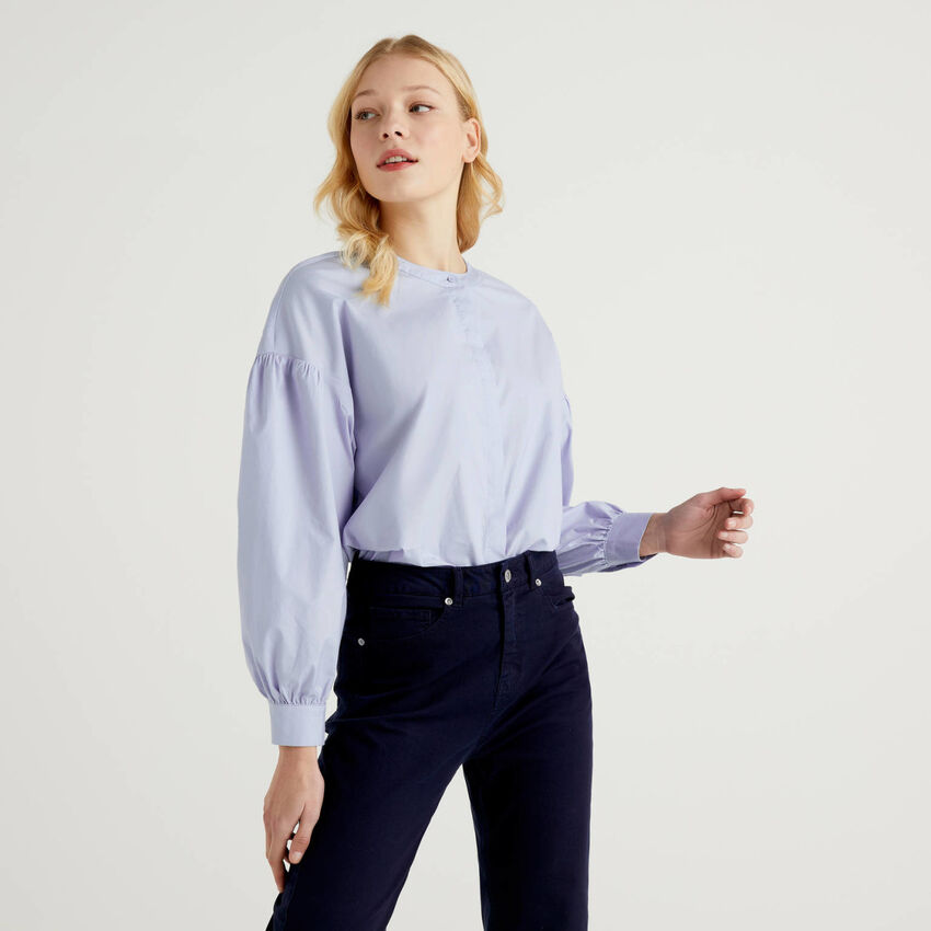 Blouse in stretch cotton with puff sleeve