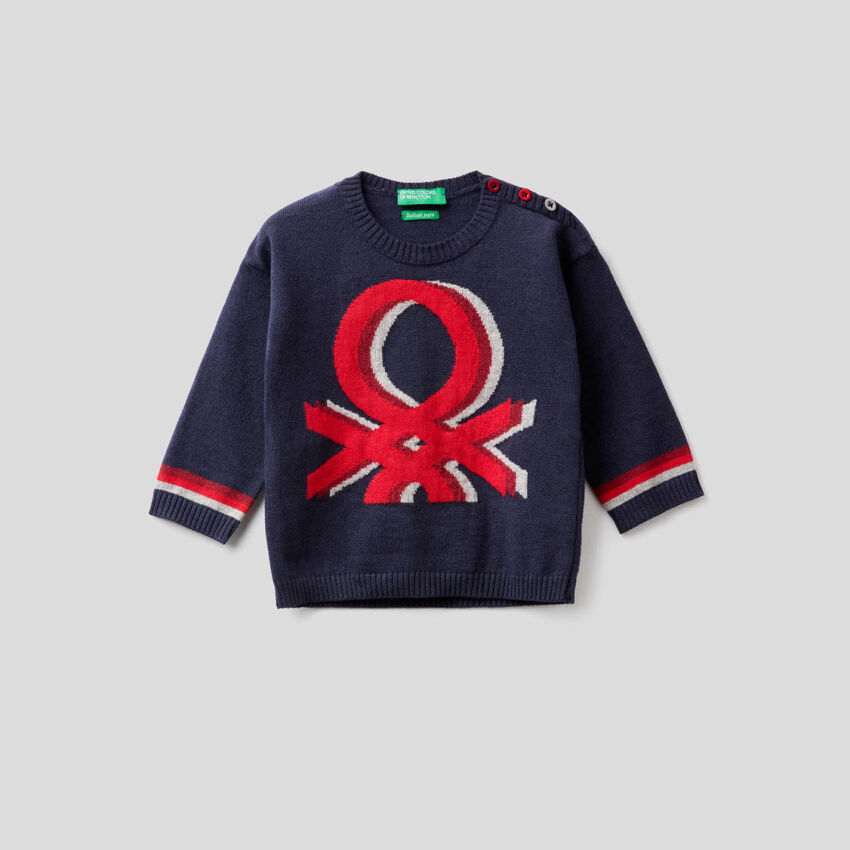 Sweater with multicolor inlay