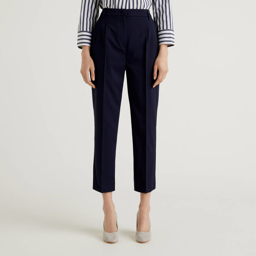 Classic trousers in stretch fabric