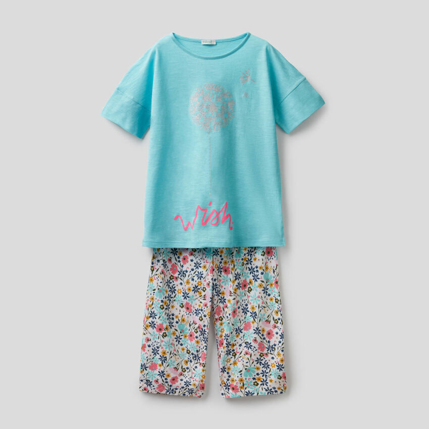 Printed pyjamas with cropped trousers