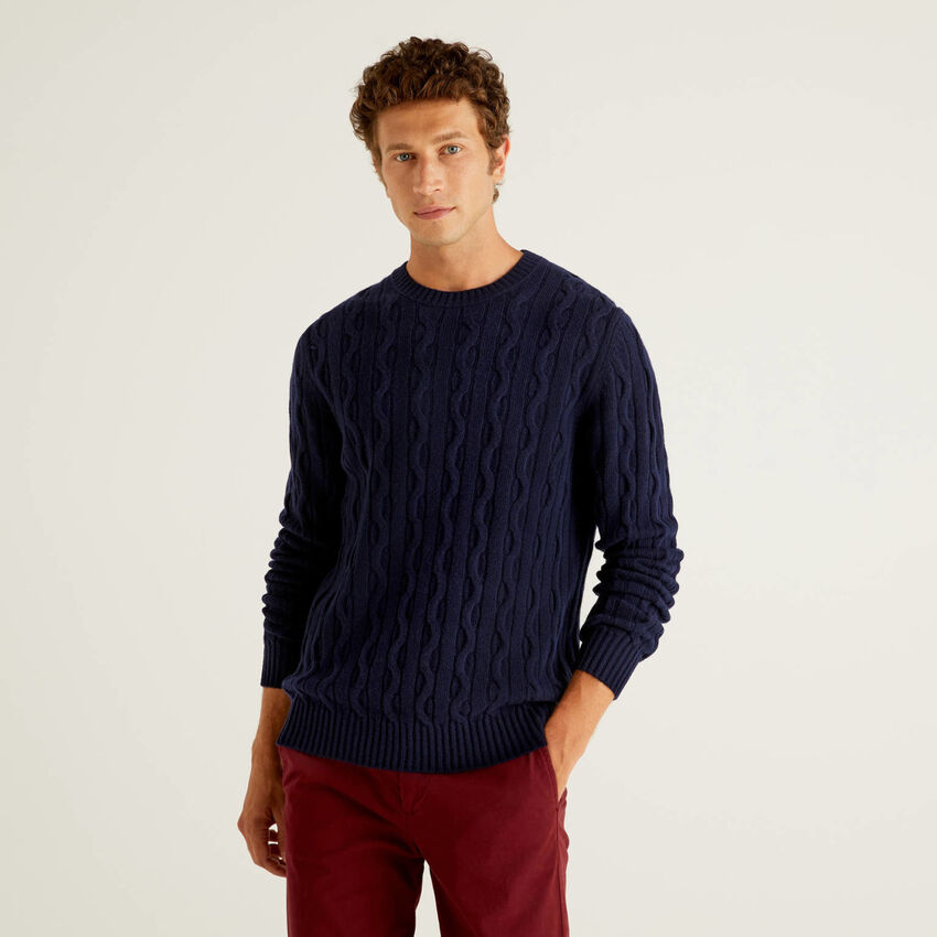 Cable knit sweater in wool blend
