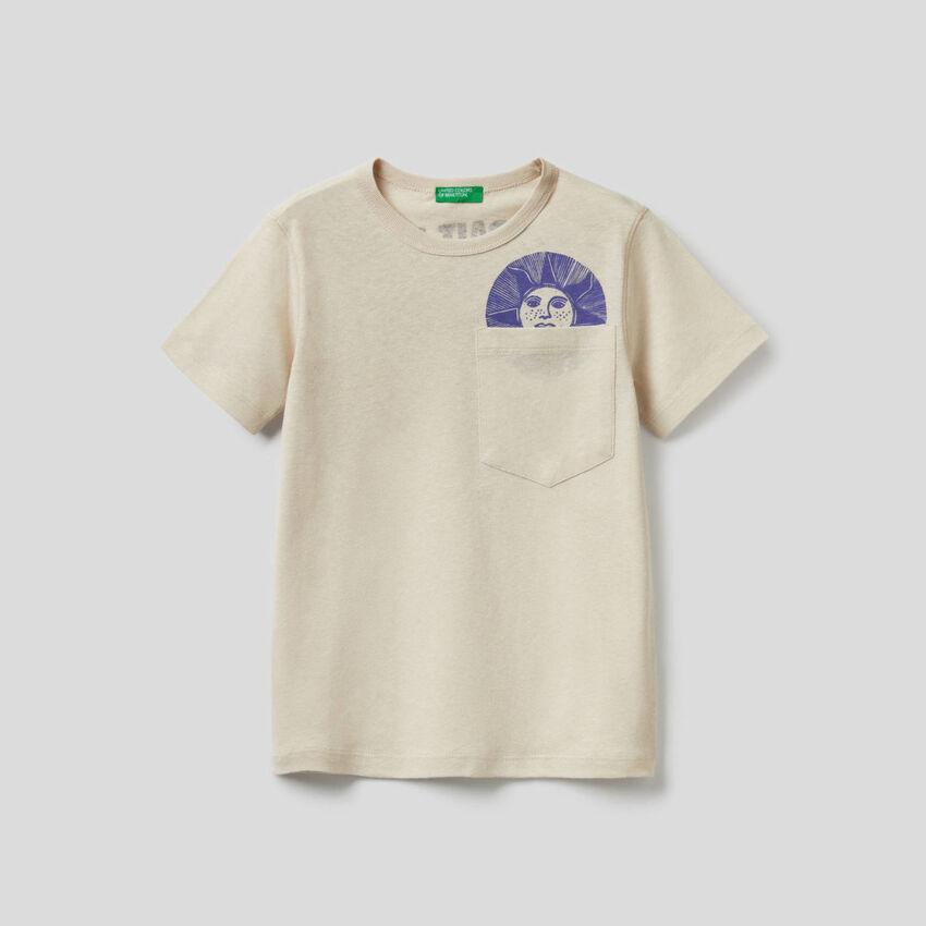 T-shirt with printed slogan