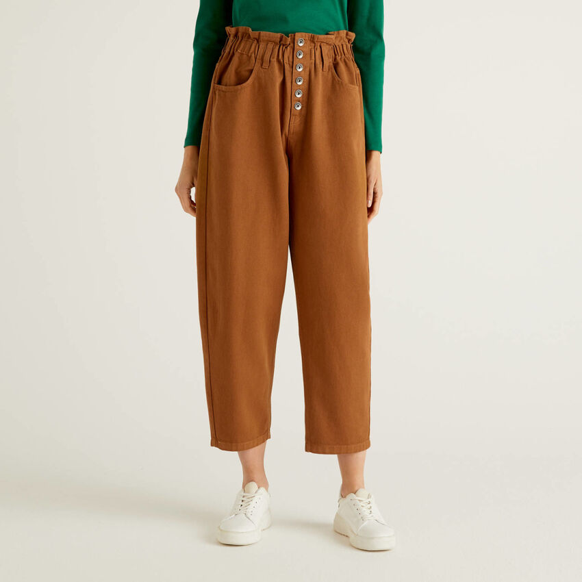 High-waisted 100% cotton trousers