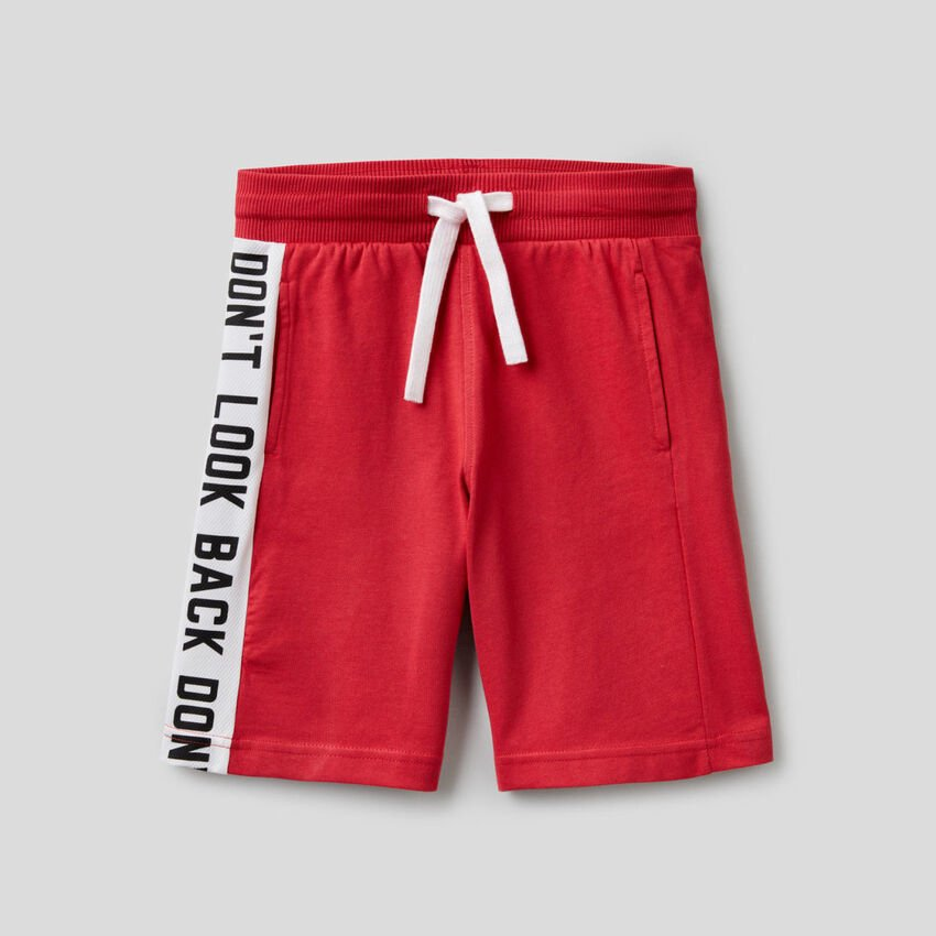 Sporty bermudas with side band