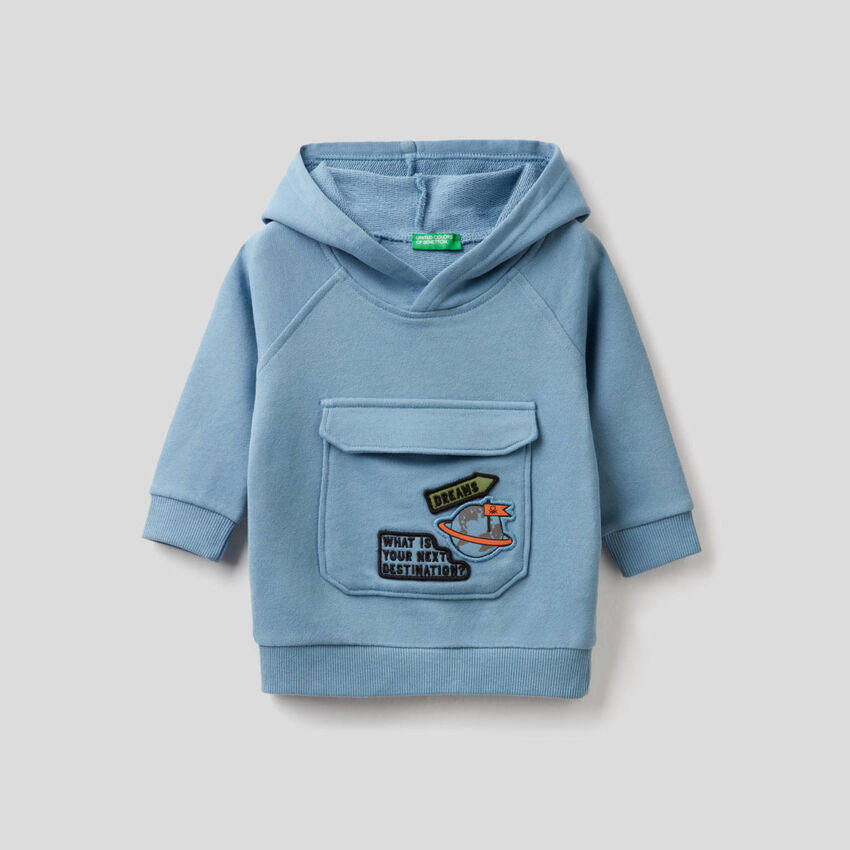 Sky blue hoodie with maxi pocket