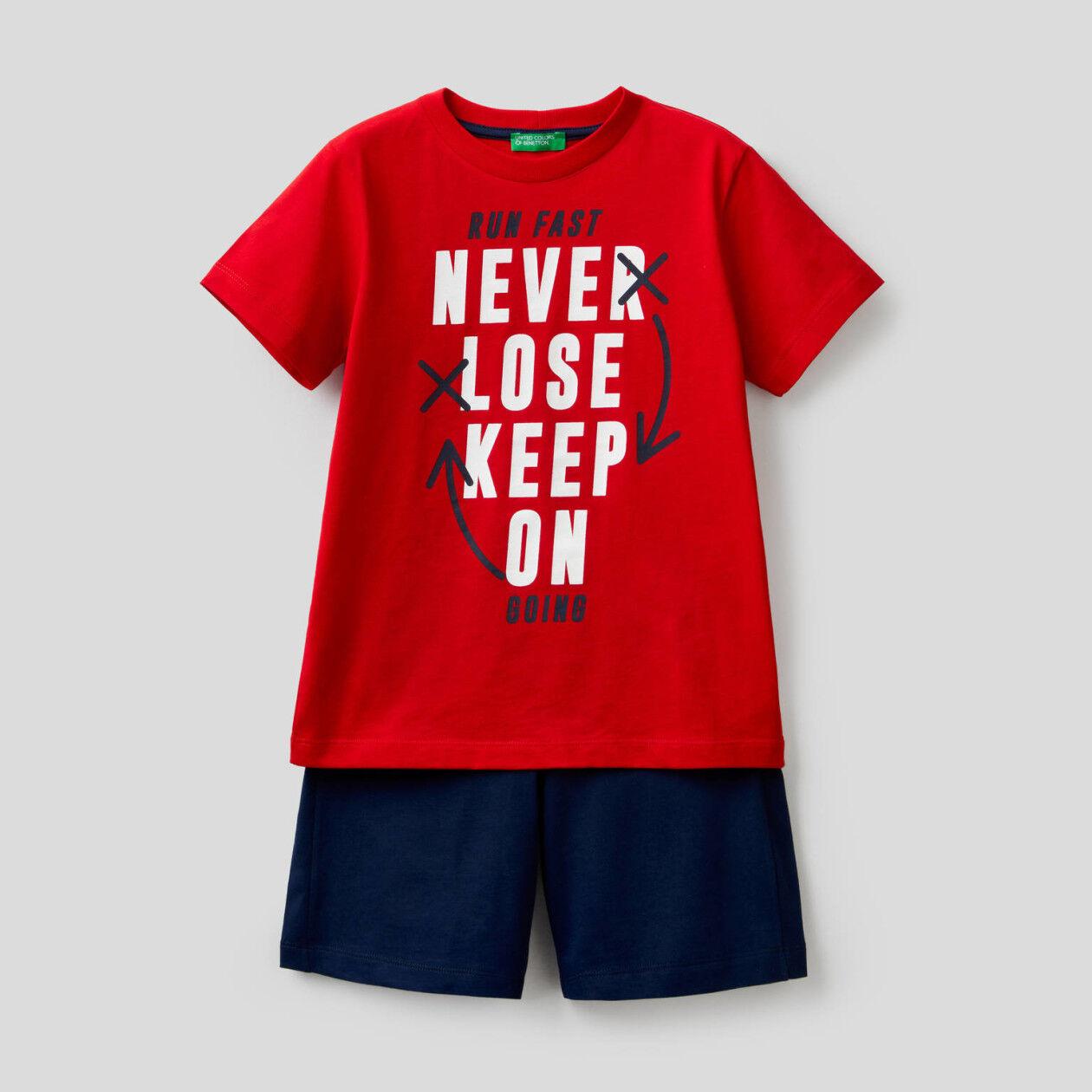 T-shirt and bermudas set