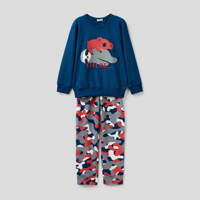 Long pyjamas in cotton with prints