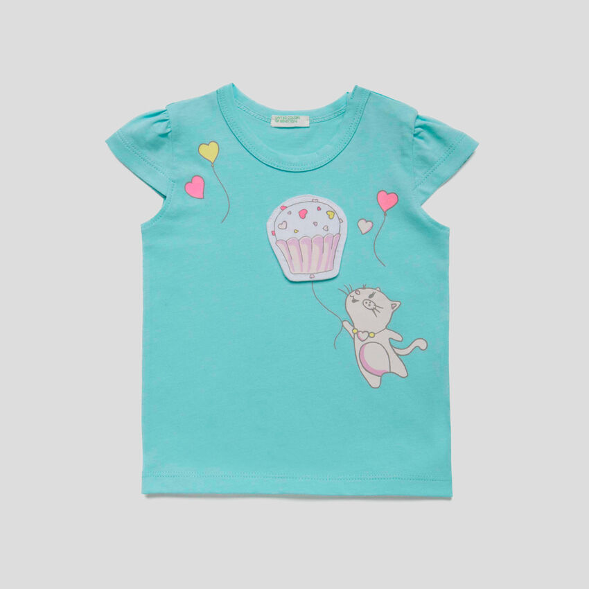 T-shirt with print and patches