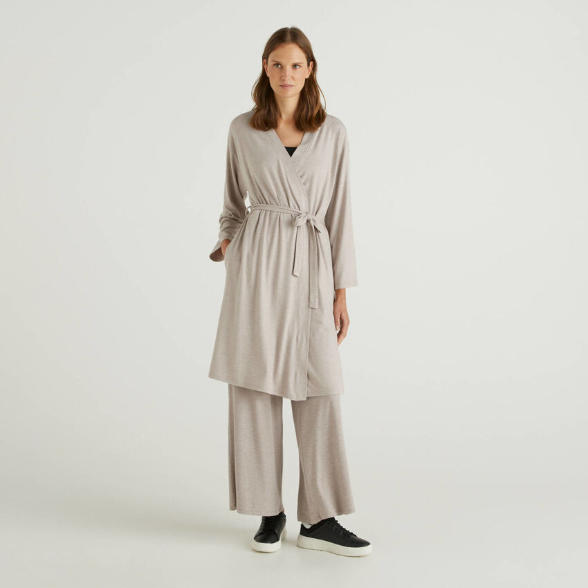 Flowy dressing gown with belt
