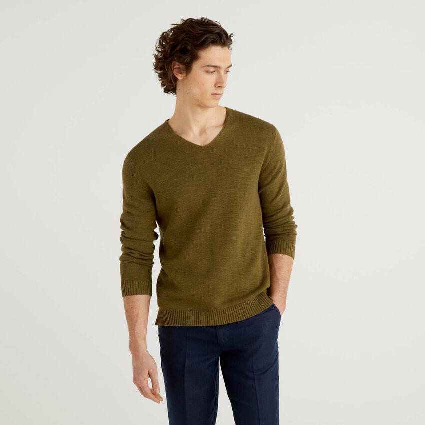 V-neck sweater in linen blend cotton