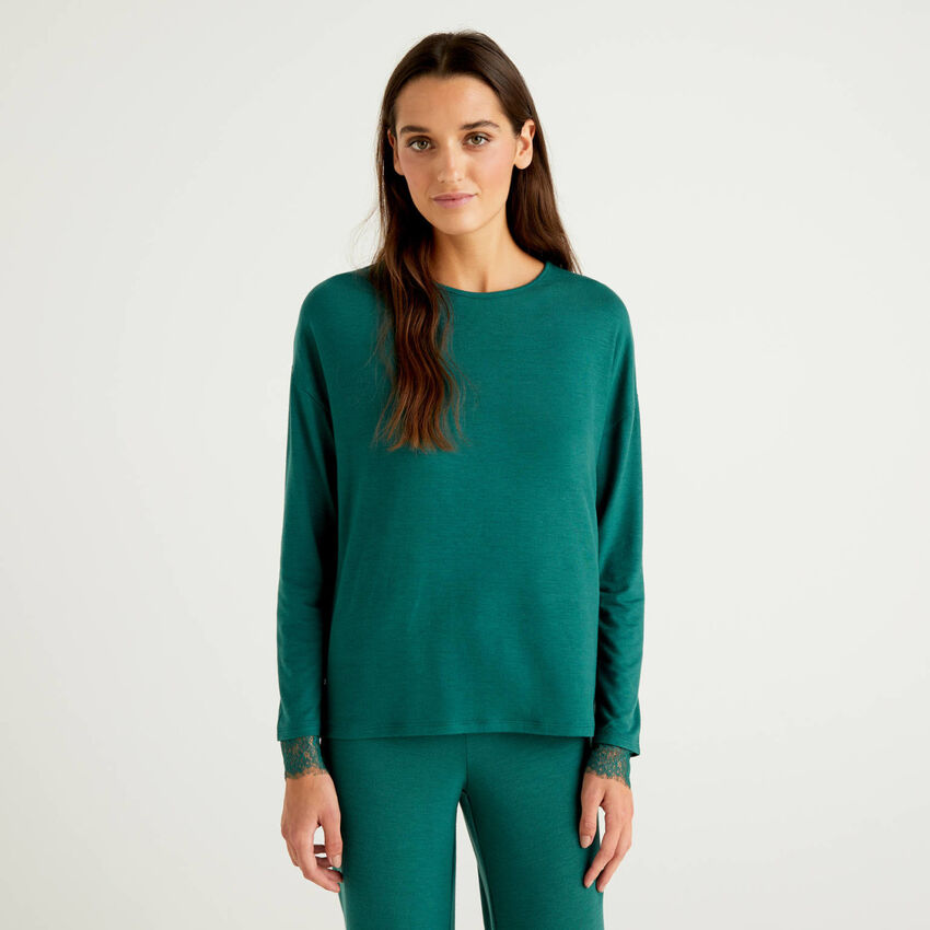 Crew neck t-shirt with lace details