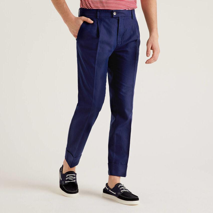 Trousers in linen blend