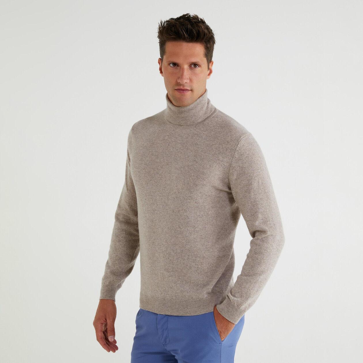 Turtleneck in 100% virgin wool