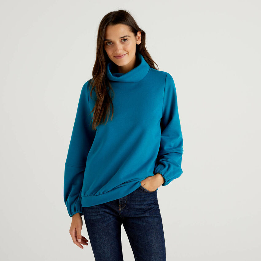 Sweatshirt with high neck and puff sleeve